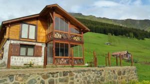 Azra Dağ Evi̇, Alpesi faházak  Güzelce - big - 9