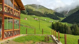 Azra Dağ Evi̇, Alpesi faházak  Güzelce - big - 10
