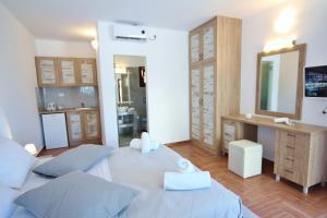 Ifestos Villa, Aparthotely  Fira - big - 9