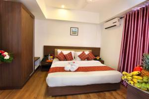 Trium Resorts Houseboat