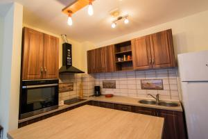 Galaxy Apartment, Apartments  Braşov - big - 5