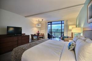 Partial Ocean View Room with King Bed