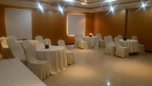 Rose Garden Hotel, Hotel  Riyad - big - 62