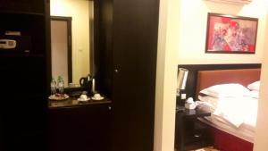 Rose Garden Hotel, Hotel  Riyad - big - 8