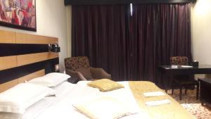 Rose Garden Hotel, Hotel  Riyad - big - 17