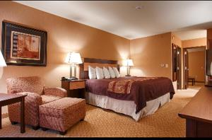King Suite with Bath Tub - Disability Access/Non-Smoking