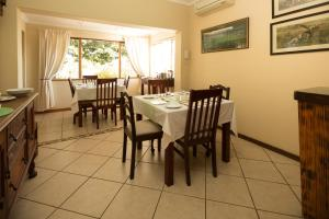 Home From Home B&B, Bed and breakfasts  Pietermaritzburg - big - 47