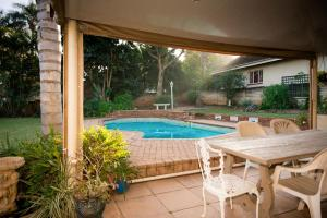 Home From Home B&B, Bed and breakfasts  Pietermaritzburg - big - 24