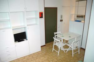 Residence Schubert, Apartmány  Lignano Sabbiadoro - big - 9