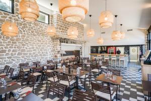 Hotel Helios - Ile des Embiez, Отели  Сис-Фур-Ле-Пляж - big - 23