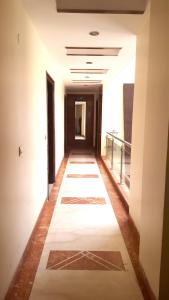 Hotel Daanish Residency, Отели  Нью-Дели - big - 36