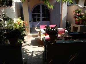 L'Embellido, Holiday homes  Mouriès - big - 5