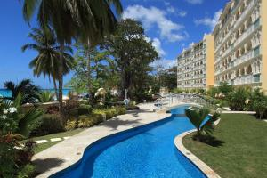 Sapphire Beach Condos, Apartments  Christ Church - big - 210