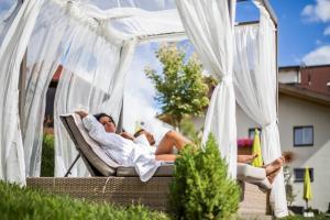 Alpen-Herz Romantik & Spa - Adults Only, Szállodák  Ladis - big - 105
