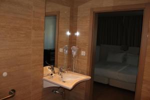 Hotel O Gato, Отели  Одивелаш - big - 33