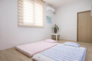 Yours Guesthouse in Tongyeong, Vendégházak  Thongjong - big - 9