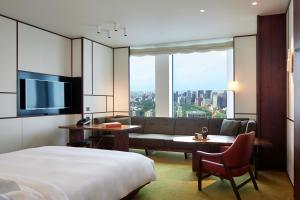 Andaz Park View King Room