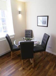 One-Bedroom Apartment - Grassmarket (3 Adults)