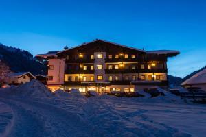 Hotel Simmerlwirt, Szállodák  Niederau - big - 34