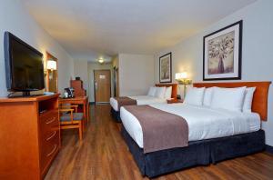Deluxe Queen Room with Two Queen Beds - Pet-Friendly