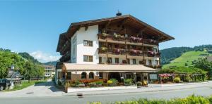 Hotel Simmerlwirt, Szállodák  Niederau - big - 23