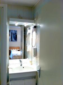 Inter-Hotel Mende du Pont Roupt, Отели  Манд - big - 6