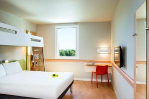 ibis budget Saint Quentin Yvelines - Vélodrome, Hotely  Montigny-le-Bretonneux - big - 2