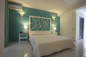 Hotel Cutimare, Hotely  Acquacalda - big - 10