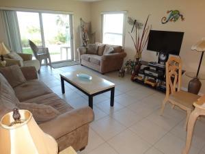 Sunflower Unit #4, Apartments  Cocoa Beach - big - 2