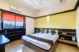 Hotel Golden Treat