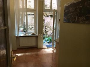Apartment Moravská, Apartments  Karlovy Vary - big - 34