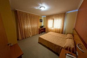 Hotel Dinajan, Hotels  Villanueva de Arosa - big - 35