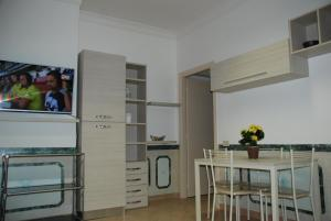 Appartamento con due camere da letto - abcRoma.com
