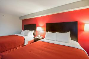 Deluxe Room with Two Queen Beds - Smoking