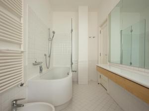 LP 125, Appartamenti  Trieste - big - 14