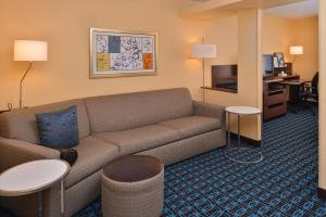 Fairfield Inn & Suites Louisville North / Riverside, Szállodák  Jeffersonville - big - 9