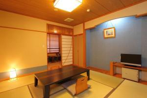 Hotel Asafuji, Hotels  Fujikawaguchiko - big - 6