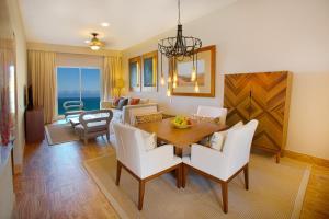 Towers Ocean view Suite