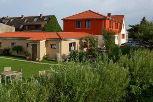 Haus Achtern Diek, Vendégházak  Fehmarn - big - 31