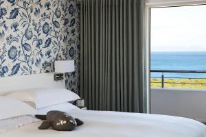 Двухместный номер с 1 кроватью или 2 отдельными кроватями и видом на море