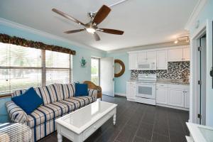 Gulf Holiday by Beachside Management, Apartments  Siesta Key - big - 8