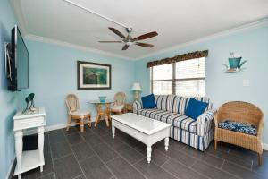 Gulf Holiday by Beachside Management, Apartments  Siesta Key - big - 7