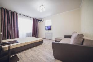 Kvartira Klass Apartments at Bakinskaya 4