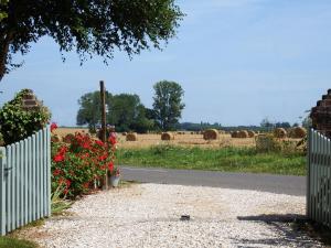 La petite saugère, Holiday homes  Bosguérard-de-Marcouville - big - 21