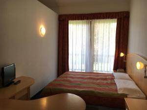 Hotel Garni Enrosadira, Hotely  Vigo di Fassa - big - 10