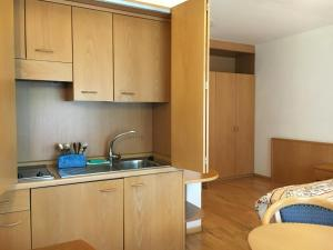 Hotel Garni Enrosadira, Hotely  Vigo di Fassa - big - 48
