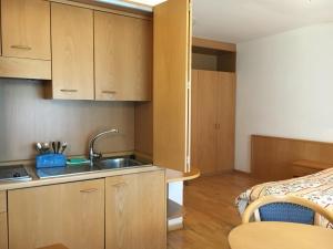 Hotel Garni Enrosadira, Hotely  Vigo di Fassa - big - 47