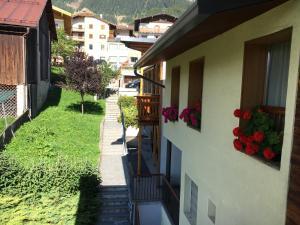 Hotel Garni Enrosadira, Hotely  Vigo di Fassa - big - 71