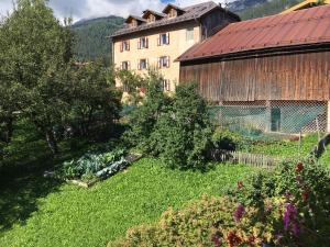 Hotel Garni Enrosadira, Hotely  Vigo di Fassa - big - 84
