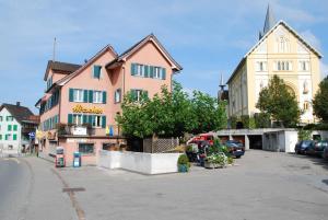 emblème de l'établissement Hotel Hirschen
